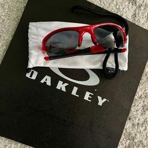Oakley men's sunglasses 💯 authentic